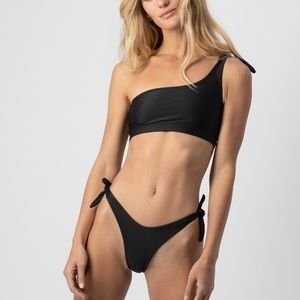 Abysse official bikini